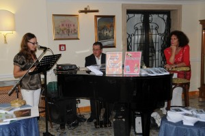 Viviana Mancini legge poesie dell'Antologia  Ischia, un'isola d'amore