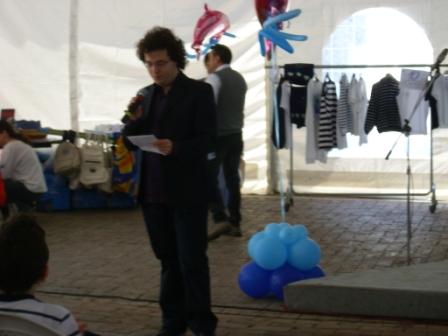 Festa del delfino 2011  Massimo Colella Legge una poesia dall'Antologia Ischia, mare e poesia IMG_0070