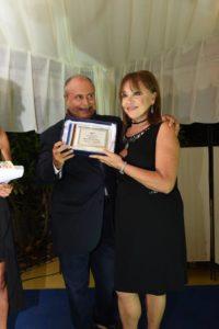 Adriana Russo premia Pierfrancesco Campanella serata 31 agosto photofestival