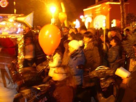 Carro di Tespi - Slitta natalizia - Piazza Eroi comp (2)