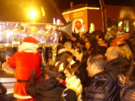 Carro di Tespi - Slitta natalizia - Piazza Eroi comp (5)