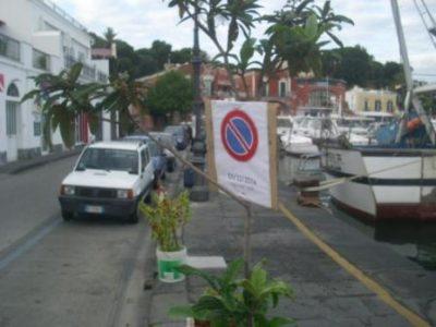 cartello-stradale-pubblicitario-comp-4