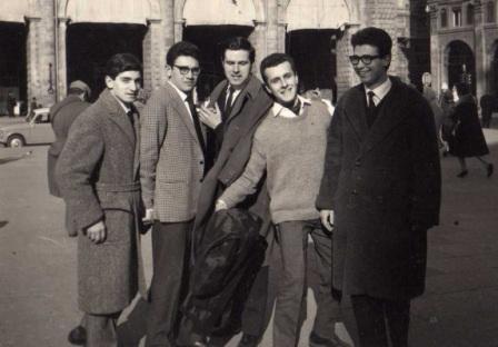 Da sinistra gli ischitani Scotti e Di Iorio con Strada, Ghirardini e un loro collega - Bologna 1962-63