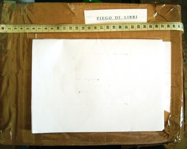 Dimensioni pacco 30 cm.