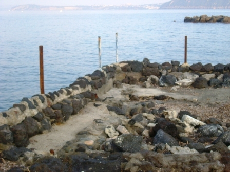 Foto scempi spiagge dicembre 2014 comp (23)