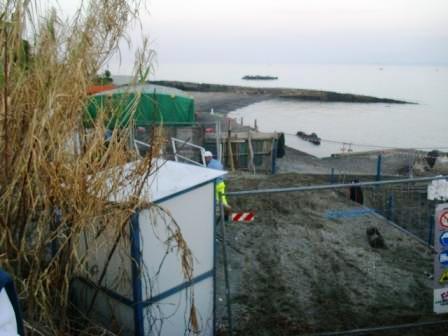 Foto scempi spiagge dicembre 2014 comp (65)