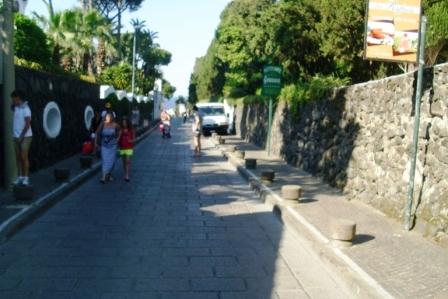 Marciapiede taxi comp (2)