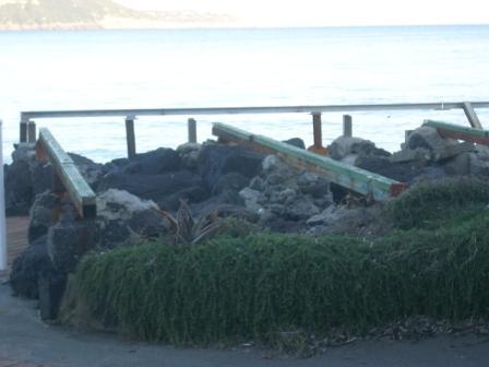Scempio spiagge mandra foto dic 2014 (34)