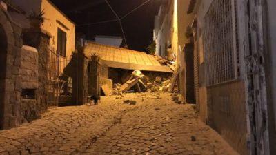 Forte scossa di terremoto a Ischia. Saltata la luce. Crolli...