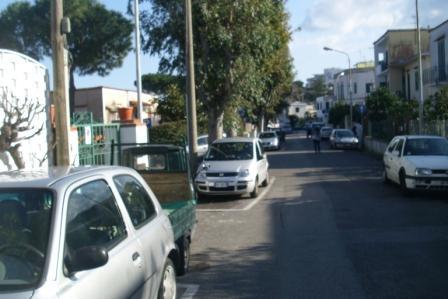 siringa parcheggio mirabella 20150227 comp (1)