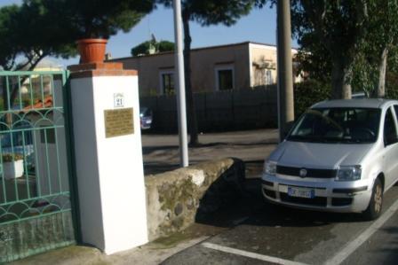 siringa parcheggio mirabella 20150227 comp (2)
